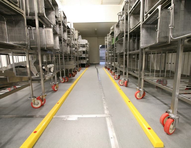 Stommpy safety floor rails