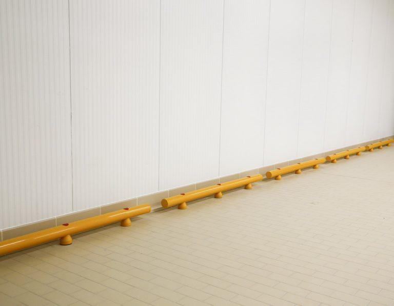 Stommpy floor guard railing