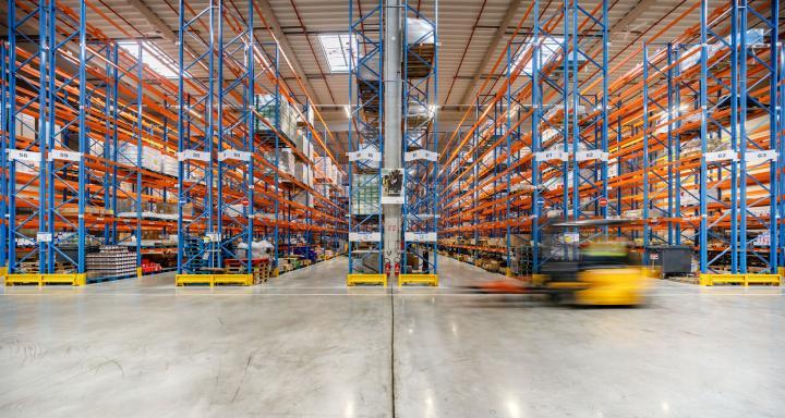 Types of industrial pallet racks